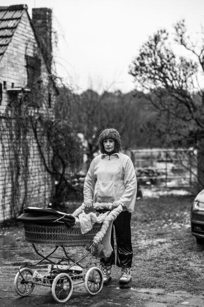 Petra Roth mit dem Schnapswagen beim Zampern in Klein Schauen