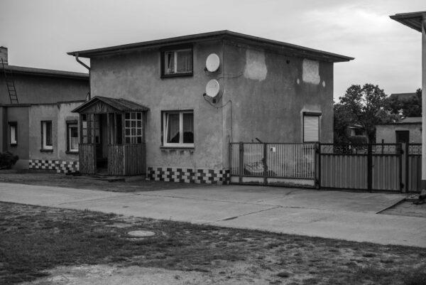 Laubeneingang der Kraftwerkssiedlung in Brieskow-Finkenheerd
