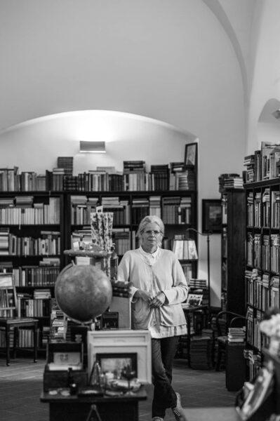 Buchhändlerin Marion Gollhardt hat sich mit dem eigenen Laden einen Lebenstraum verwirklicht.