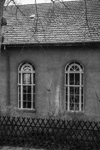 Blick auf den «Heidehof» der Künstlerin Ulla Walter